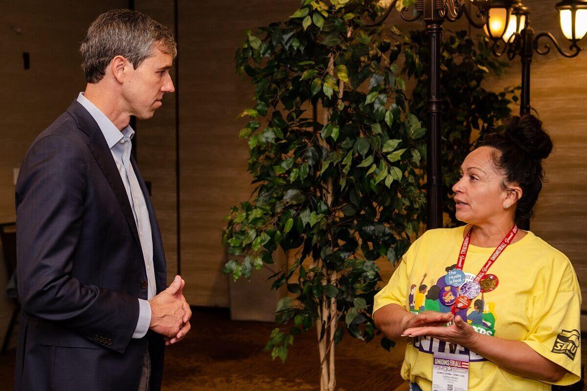 Proveedoras se Reúnen con Candidatos Presidenciales en la Cumbre Uniones para Todos
